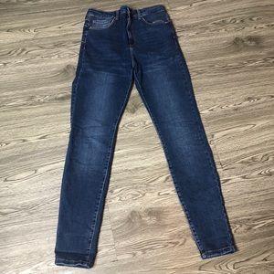 🔥Forever21 Dark Faded Denim Skinny Jeans